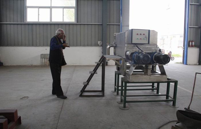 India customer visit our company for gluten making machine