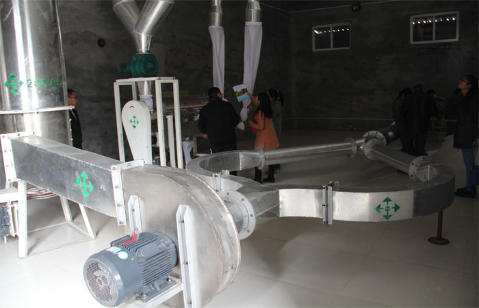 Air flow starch dryer