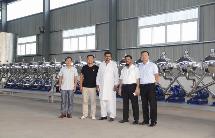 Pakistan customer visit our company for the rice glucose plant