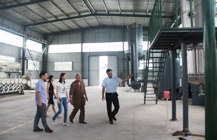 North Africa customer visit our company for corn glucose processing line